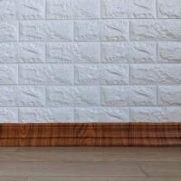 Самоклеющийся гибкий плинтус (багет) золотой дуб 2400х80мм